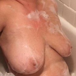 Large tits of my wife - Kuffie