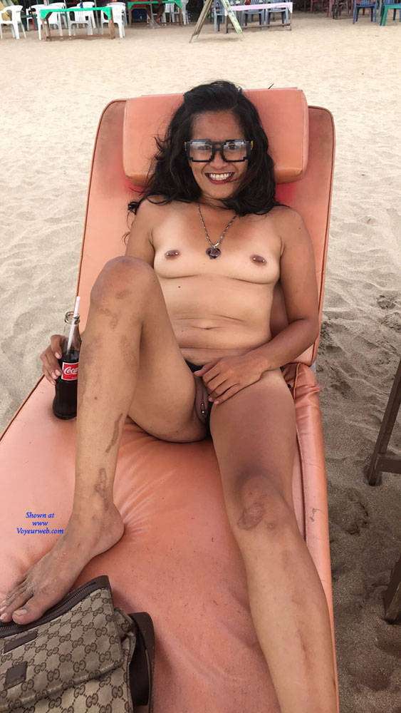 Pic #1 My Girlfriend On The Beach - Nude Girlfriends, Beach, Brunette, Outdoors, Amateur