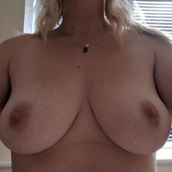 My medium tits - Harri uk