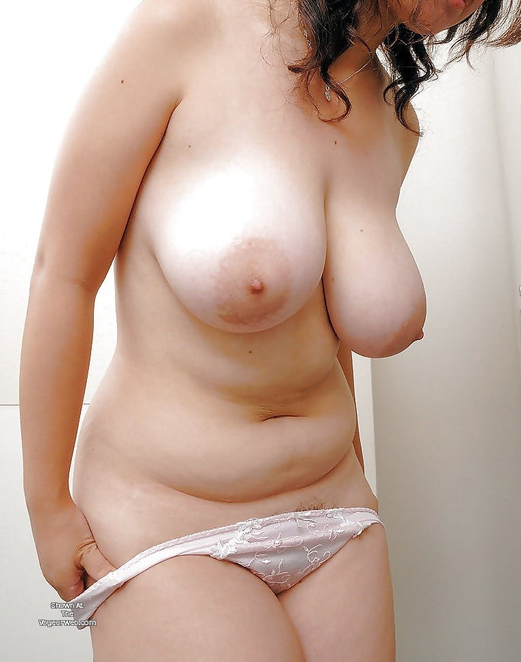 Pic #1 Large tits of my room mate - Chubby Chic