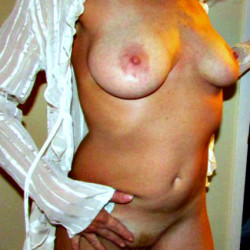 Medium tits of my wife - Brockton
