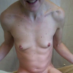 Love To Be Naked - Nude Girls, Small Tits, Shaved, Amateur