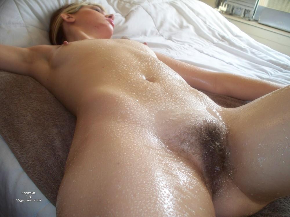 Pic #1A neighbor's ass - GirlzPose4Me