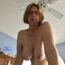 Hot Mature Wife! - Nude Wives, Big Tits, Brunette, Mature, Amateur