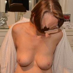 Duschen - Big Tits, Wife/wives, Amateur