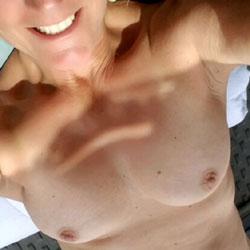 My MILF - Nude Girls, Outdoors, Amateur