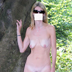 In The Countryside - Nude Girls, Outdoors, Bush Or Hairy, Amateur, Girls Stripping, Nature