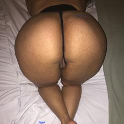 Round Ass - Amateur, Round Ass