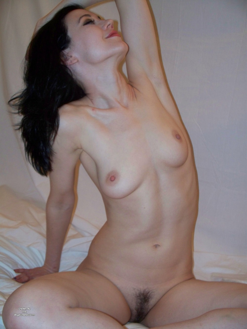 Pic #1 Medium tits of a neighbor - GirlzPose4Me