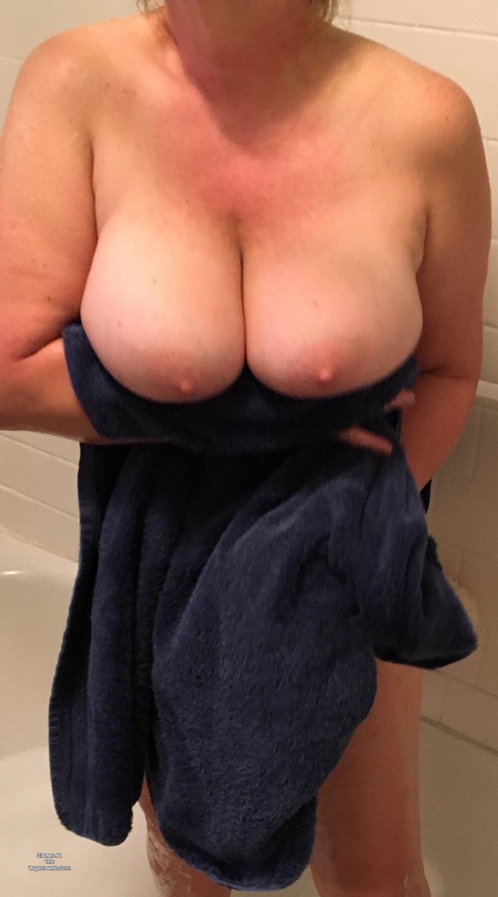 Pic #1 Very large tits of my wife - VeeVicki