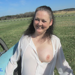 Spring At The Battle Fields - Big Tits, Brunette, Outdoors, Amateur