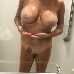 Large tits of my wife - Kellie
