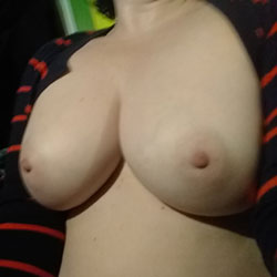 Wet And Lonely - Big Tits, Amateur