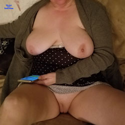 My Jiggly Wife Nude - Pantieless Wives, Big Tits, Shaved, Amateur