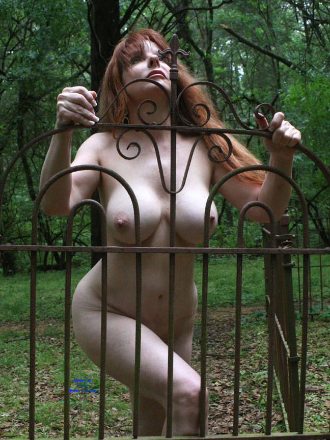 Pic #1Fence In Sunlight - Nude Girls, Big Tits, Outdoors, Redhead, Amateur