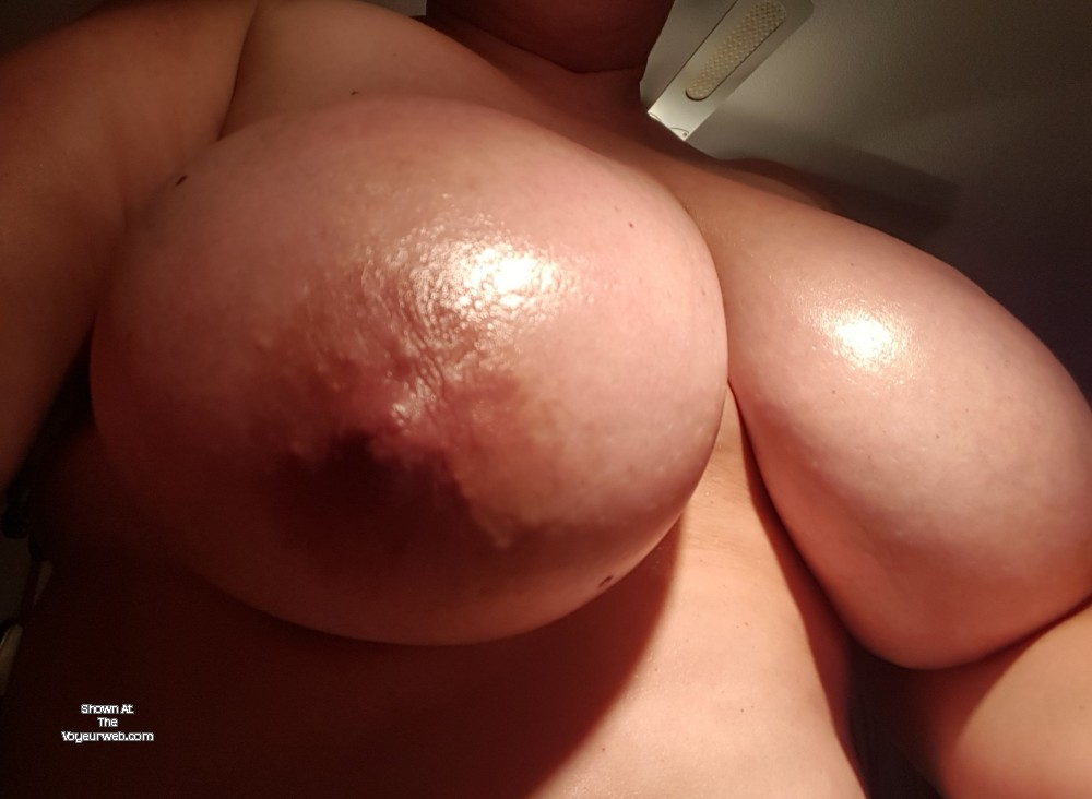 Pic #1 My very large tits - Adelais