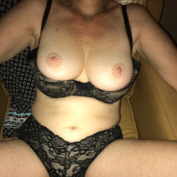 Fun - Wives In Lingerie, Big Tits, Amateur