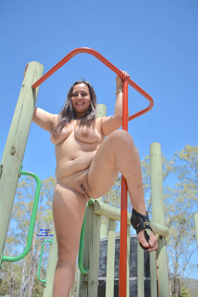 Pic #1 Valeria - Nude Girls, Big Tits, Brunette, Outdoors, Shaved, Amateur