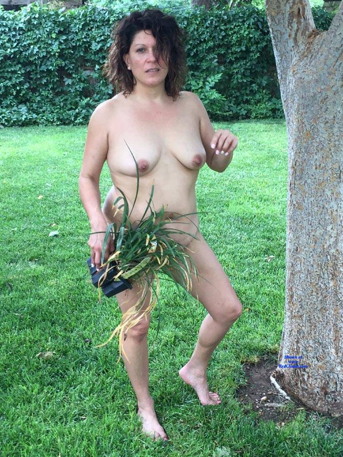 Pic #1Melissa Outdoors - Nude Girls, Big Tits, Brunette, Outdoors, Shaved, Amateur