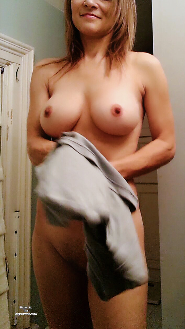 Pic #1 Large tits of my wife - Juliet
