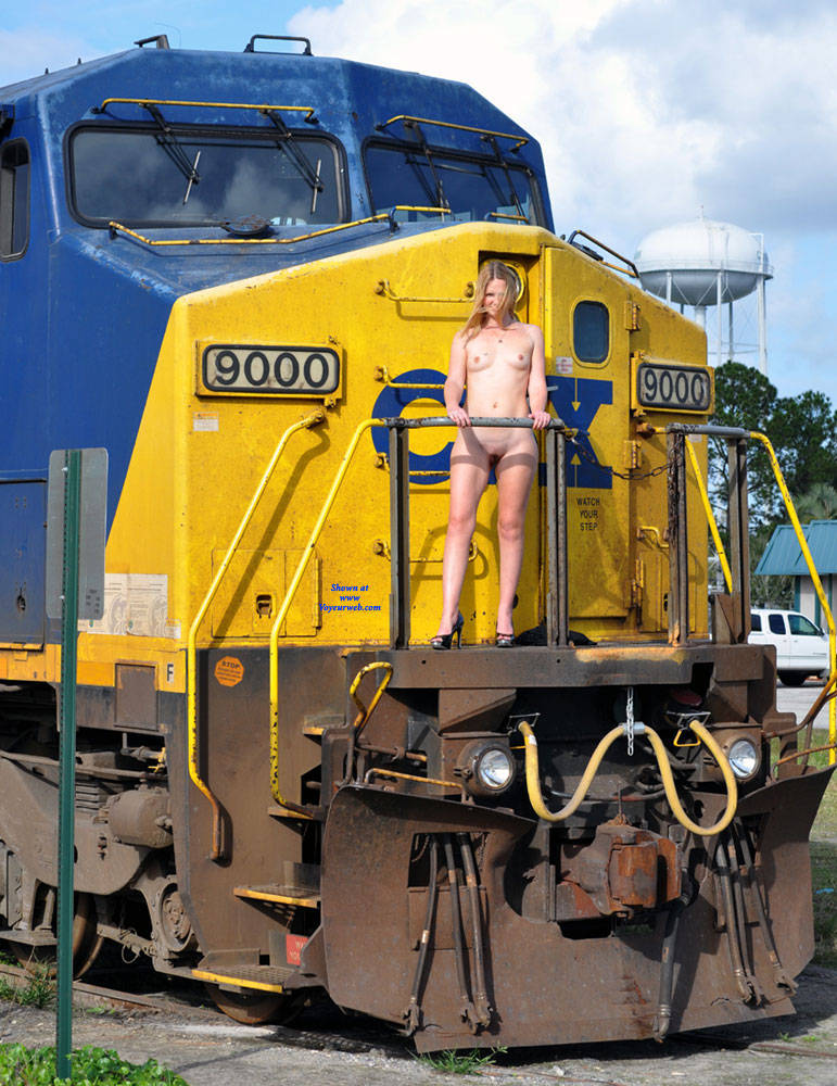 Pic #1Work On The Railroad - Nude Girls, Public Exhibitionist, Flashing, High Heels Amateurs, Outdoors, Public Place