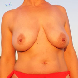 After Sunbathing - Nude Girls, Big Tits, Outdoors, Amateur, Beach
