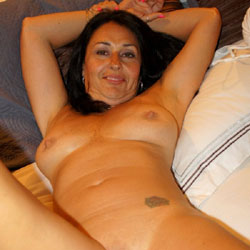 Hot Wife Ready For Some Fun - Nude Wives, Brunette, Amateur, Mature