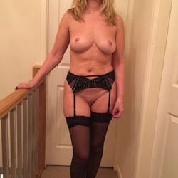 English Housewife 2 - Wives In Lingerie, Big Tits, Shaved, Amateur, Stockings Pics