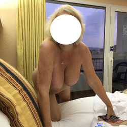 Sexy Mature Wife - Nude Wives, Big Tits, Amateur