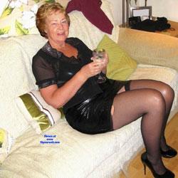 Cathy Blowjob Rubber Slut Granny - High Heels Amateurs, Lingerie, Mature, Redhead, Dressed, Granny