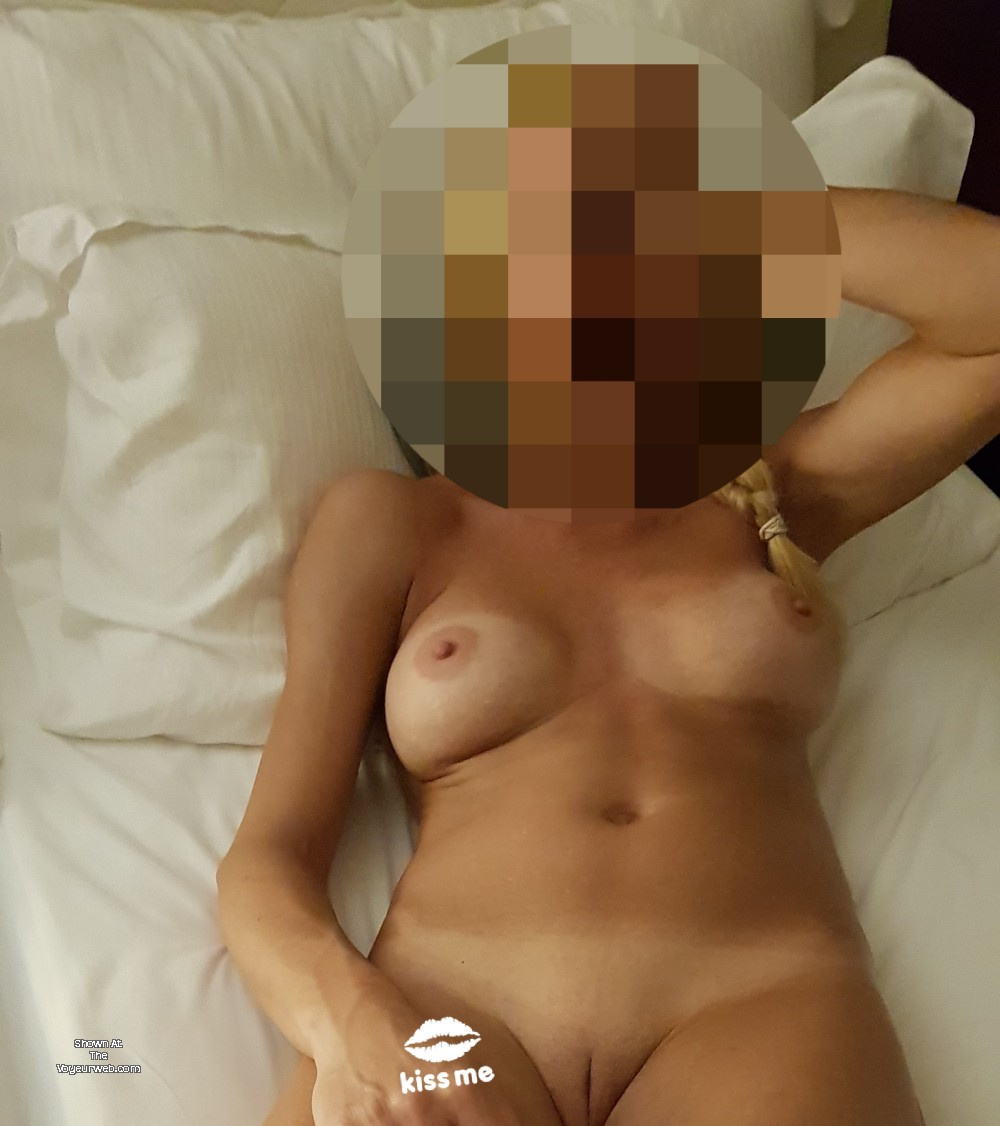 Pic #1 Medium tits of my wife - Jennifer