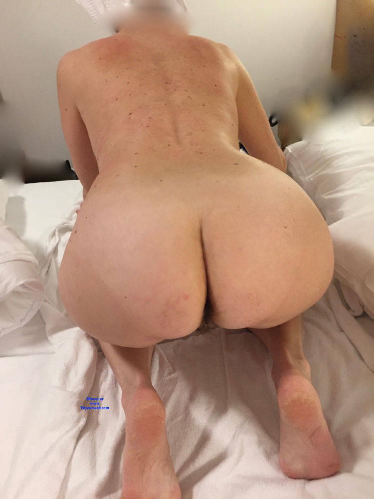 nude mature ass