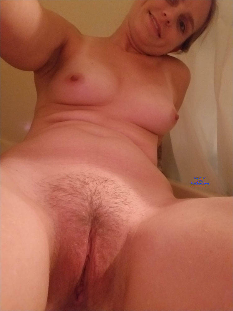 Pic #128 yo KS Hot Wife - Nude Wives, Bush Or Hairy, Close-ups, Pussy, Amateur