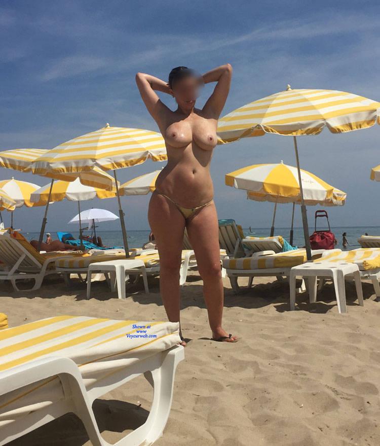 Naked dana plato