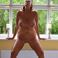 Weekend Fun - Nude Girls, Big Tits, High Heels Amateurs, Mature