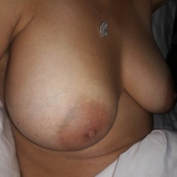 Large tits of my wife -  Riba
