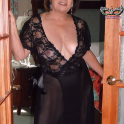 Heels And Robe - Big Tits, Mature, See Through, Amateur