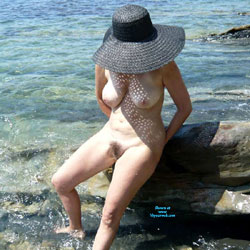 Mature Nude Woman On The Beach - Nude Girls, Beach, Big Tits, Mature, Outdoors, Bush Or Hairy, Amateur