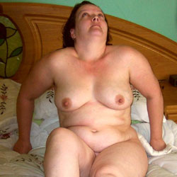 Chubby UK MILF Showing Off For All The World To See - Nude Girls, Big Tits, Brunette, Mature, Amateur, Bbw