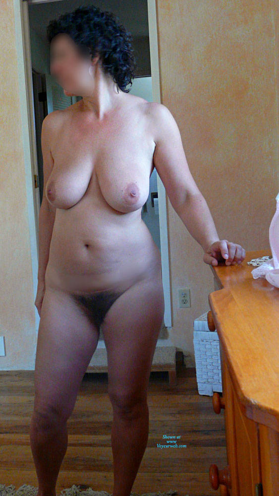 Pic #1 Short Hair - Nude Girls, Big Tits, Brunette, Bush Or Hairy, Amateur