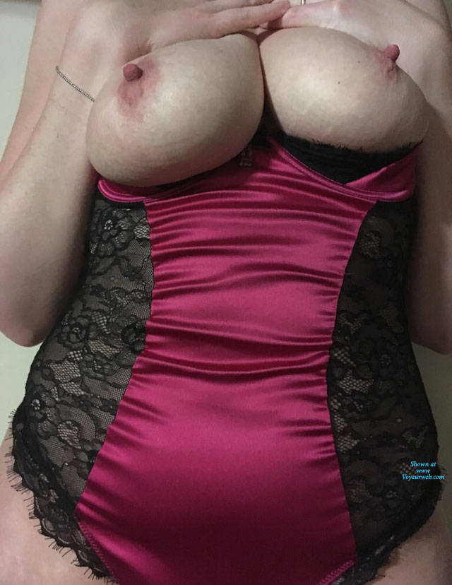 Pic #1 First Time Contribution - Big Tits, Lingerie, Amateur