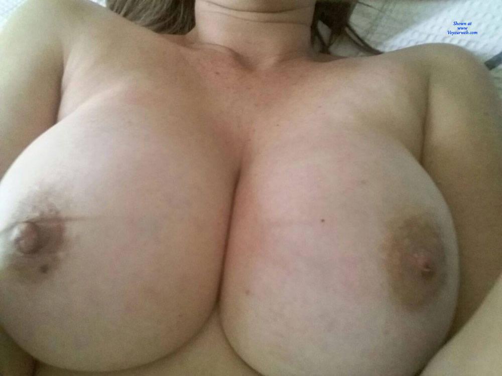 Pic #1 Resting - Big Tits, Amateur