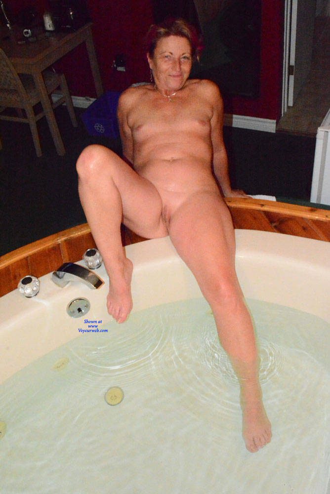 Pic #1 A Night Away To See The Fall Colours - Nude Amateurs, Mature, Shaved