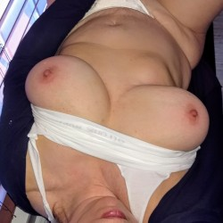 My very large tits - 34..e