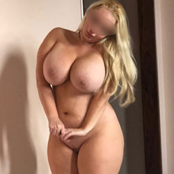 Barbie Pawg - Nude Wives, Big Tits, Blonde, High Heels Amateurs