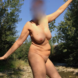 At The River - Al Fiume - Nude Amateurs, Big Tits, Mature, Outdoors