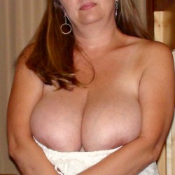 Extremely large tits of my wife - jill's juggs