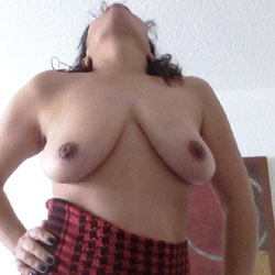 Playing With The Red Cloth - Big Tits, Amateur