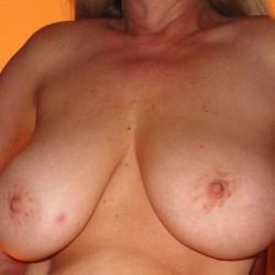 Large tits of my wife - Kuffy