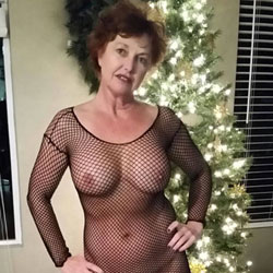 12 Nighties Of Christmas - Wives In Lingerie, Big Tits, Brunette, Mature, Amateur